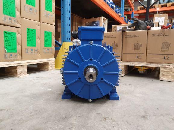 Elektrimootor 9,2kW/3000 p/min T3A 132M1-2 B3; IE3; IP55; 400/690V; PTC termistorid 130℃
