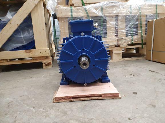 Elektrimootor 11,0kW/3000 p/min T3A 132M2-2 B3; IE3; IP55; 400/690V; PTC termistorid 130℃