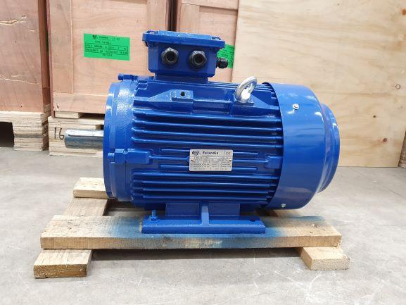 Elektrimootor 4,0kW/1000 p/min T3C 132M1-6 B3; IE3; IP55; 400/690V; PTC termistorid 130℃