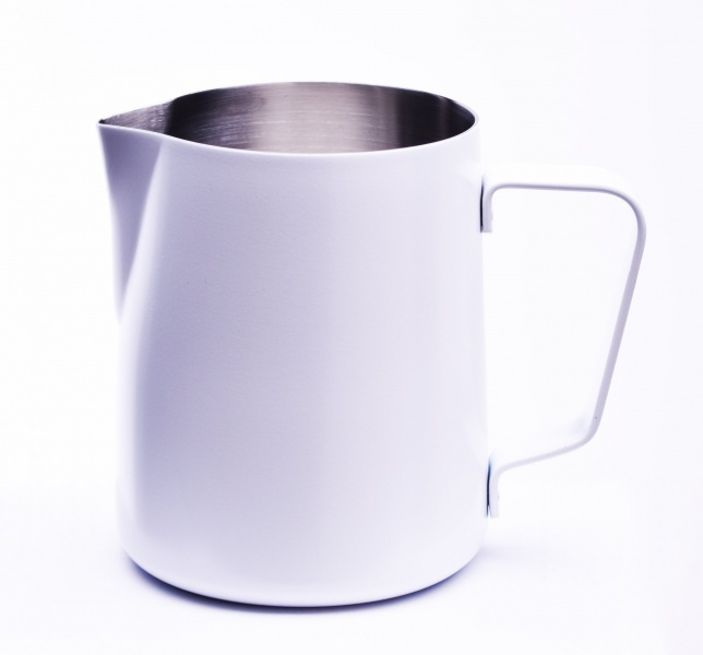 JoeFrex piimavahustuskann 590ml Valge